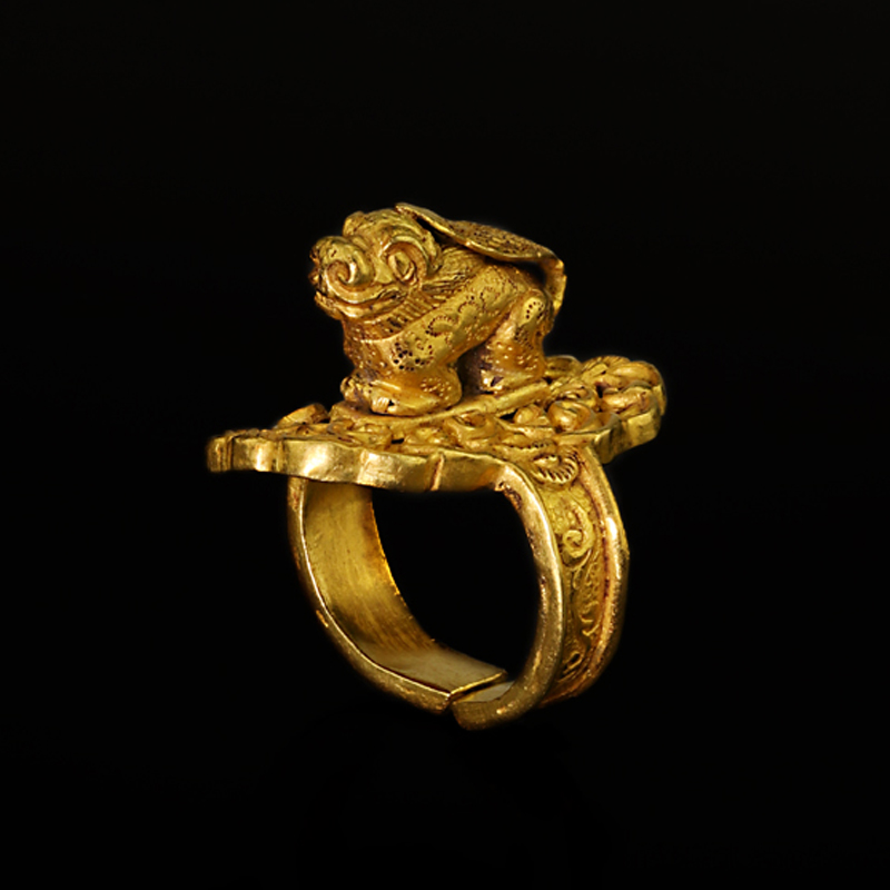 A Gold Finger Ring With Kylin